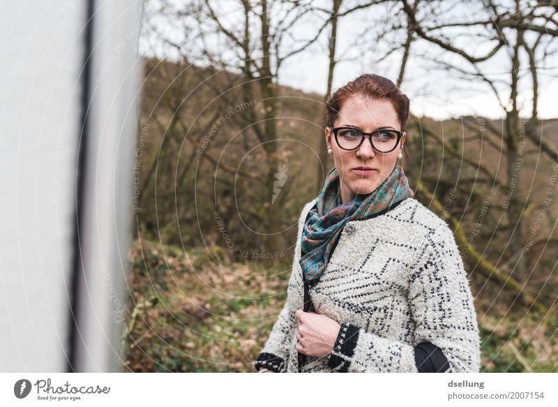 . Lifestyle elegant Stil Design Mensch feminin Junge Frau Jugendliche 1 18-30 Jahre Erwachsene Frühling Sommer Herbst Schönes Wetter Wald Bekleidung Pullover