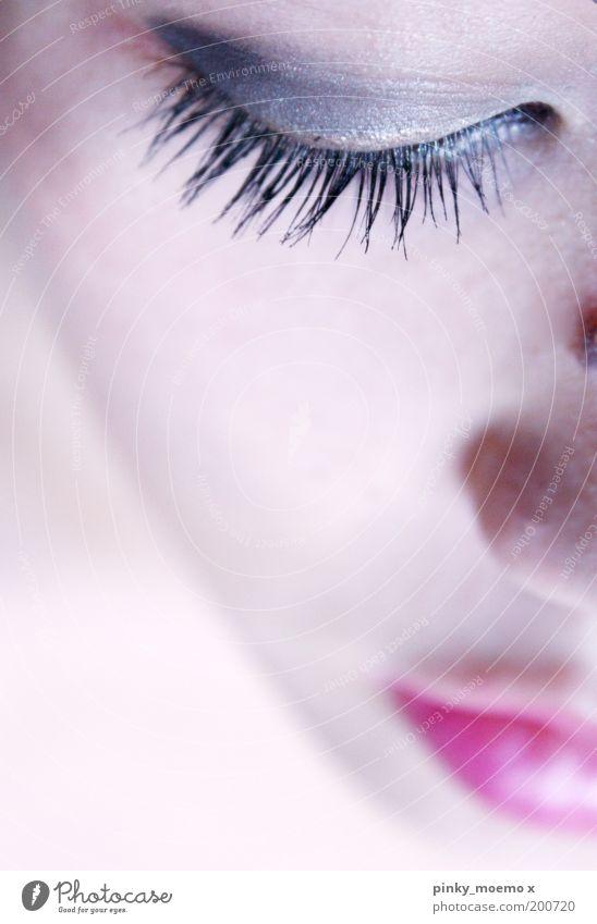 Von oben herab Mensch Jugendliche schön Gesicht Auge feminin oben Kosmetik Kopf Mund Zufriedenheit rosa Schminke Wimpern Lippenstift Junge Frau