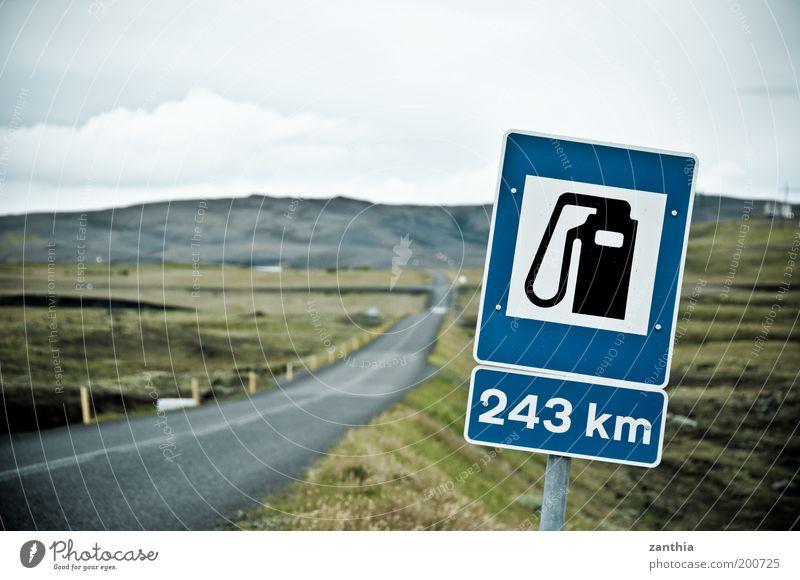 243 km grün blau Ferien & Urlaub & Reisen Ferne Straße grau Landschaft Schilder & Markierungen Ziel Dienstleistungsgewerbe Mobilität Island chaotisch Rettung Frustration Erdöl