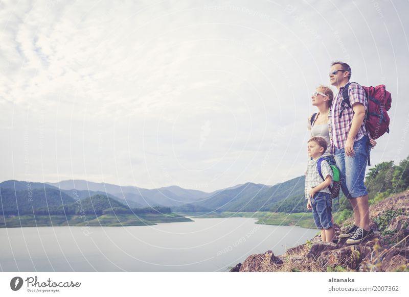 Mensch Kind Frau Natur Ferien & Urlaub & Reisen Mann Sommer Freude Berge u. Gebirge Erwachsene Lifestyle Liebe Sport Junge Familie & Verwandtschaft Glück