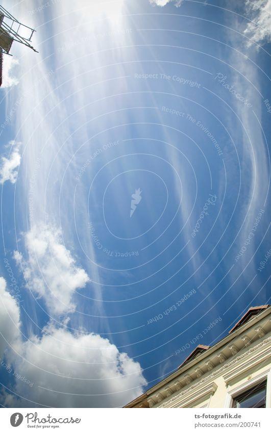 Urd, Verdandi und Skuld Urelemente Luft Himmel Wolken Schönes Wetter Wind Streifen fadenförmig Schleier leuchten blau weiß wehen ästhetisch Bewegung Klima