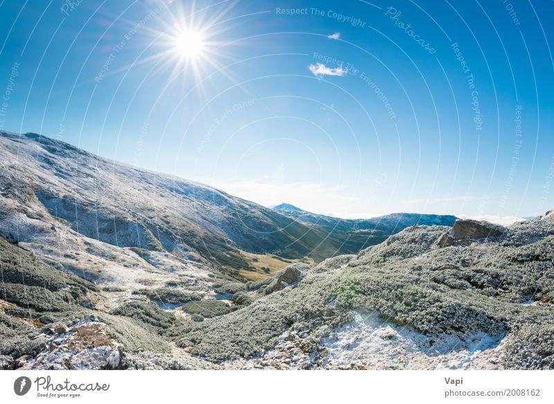 Winterberge und sonniges grünes Tal Ferien & Urlaub & Reisen Ausflug Sonne Schnee Berge u. Gebirge Umwelt Natur Landschaft Himmel Wolken Horizont Sonnenaufgang