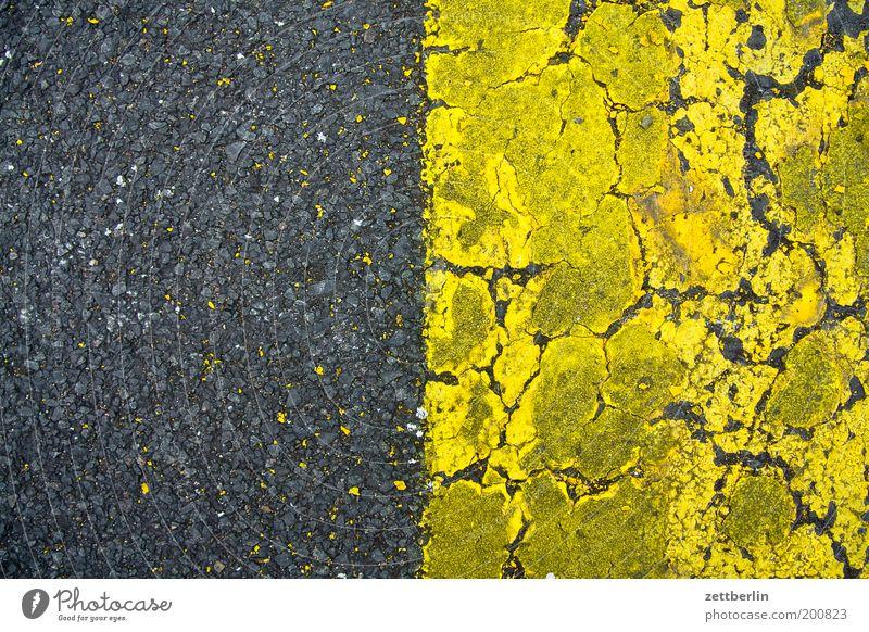 graugelb/gelbgrau Flugbahn Flugplatz Landebahn Feld Farbe Farbstoff Schilder & Markierungen Fahrbahnmarkierung Strukturen & Formen Rest diffus Feinstaub