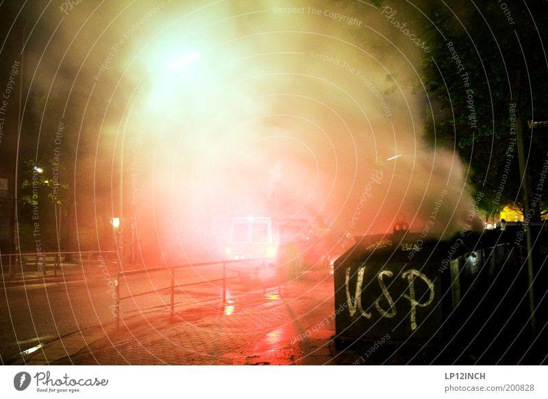 """1.MAI """"USP"""" Klappe die Zweite Stadt Straße Angst Brand gefährlich Feuer Hamburg Asphalt Rauch Wut Gewalt Konflikt & Streit Stress brennen Politik & Staat"""