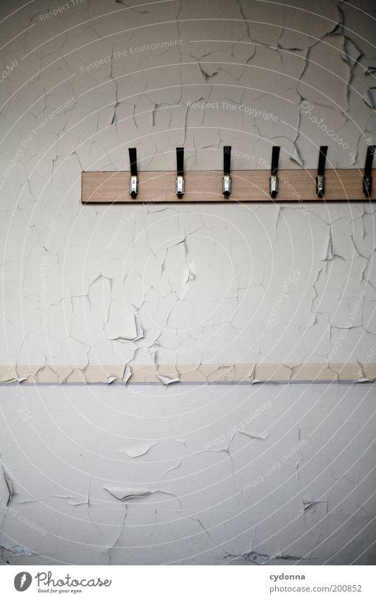 [HAL] Aufhänger in Pastell Einsamkeit Farbe Freiheit träumen Raum Armut Zeit Lifestyle ästhetisch Bildung Häusliches Leben Vergänglichkeit Innenarchitektur Verfall Vergangenheit Idee