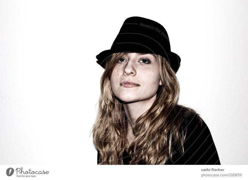 Hannah II Stil schön Junge Frau Jugendliche Kopf Haare & Frisuren Nase 1 Mensch 18-30 Jahre Erwachsene Pullover Hut brünett blond langhaarig Locken Coolness