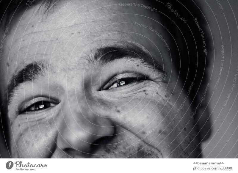 Für Dich Freude Gesicht Leben Wohlgefühl maskulin Junger Mann Jugendliche Auge 1 Mensch 18-30 Jahre Erwachsene kurzhaarig Behaarung Lächeln leuchten authentisch