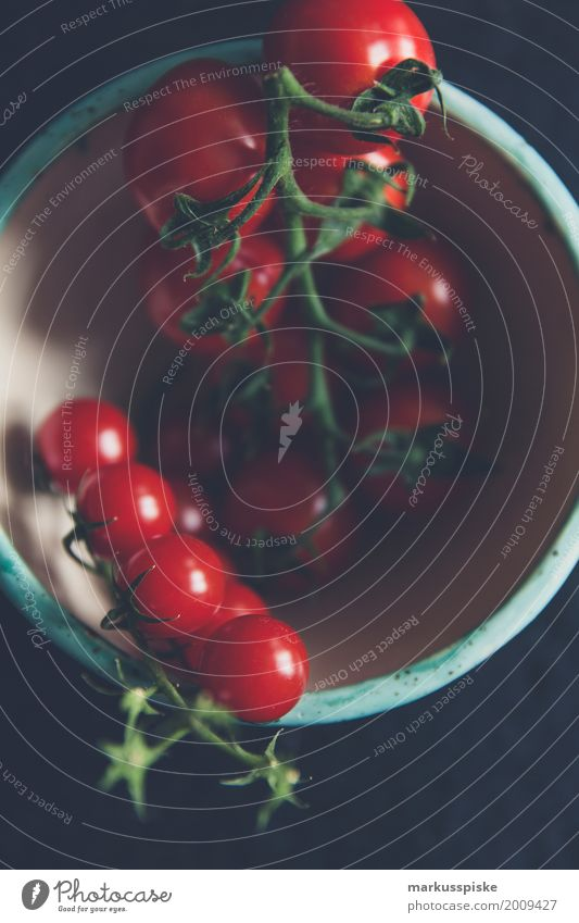 frische bio tomaten Lebensmittel Tomate Tomatenplantage Cocktailtomate Ernährung Essen Frühstück Picknick Bioprodukte Vegetarische Ernährung Diät Fasten