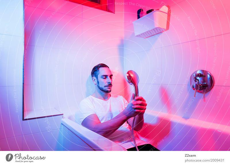 Home sweet home Jugendliche blau Farbe Junger Mann Haus ruhig 18-30 Jahre Erwachsene Lifestyle Stil Kunst Design rosa Wohnung Häusliches Leben träumen
