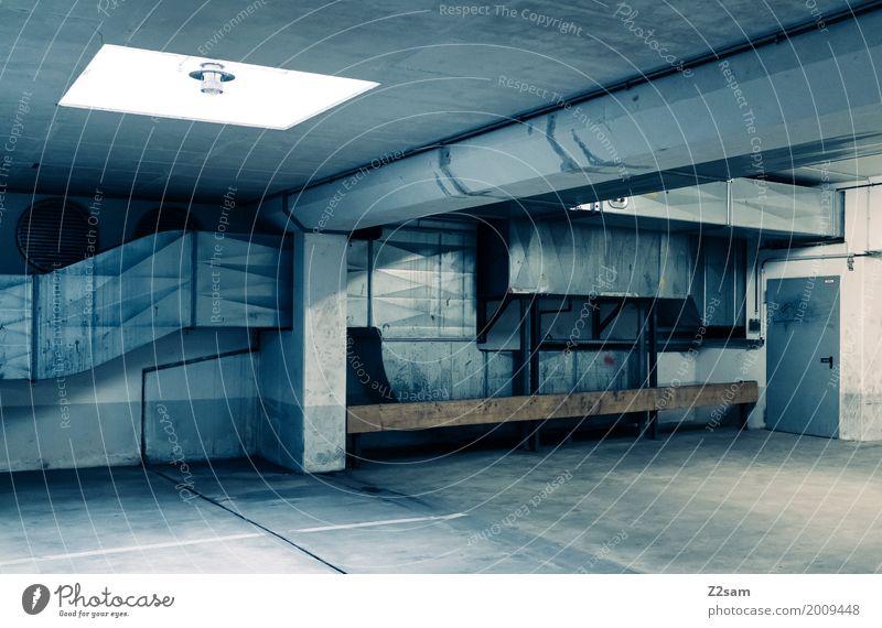 TG blau Stadt Einsamkeit dunkel Architektur kalt Gebäude Design Metall dreckig modern ästhetisch Ordnung Beton Bauwerk trashig
