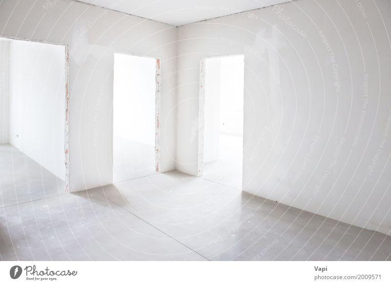 Weißer Raum mit drei Eingängen weiß Haus Architektur Wand Innenarchitektur Stil Gebäude Mauer grau Design Wohnung Häusliches Leben elegant modern