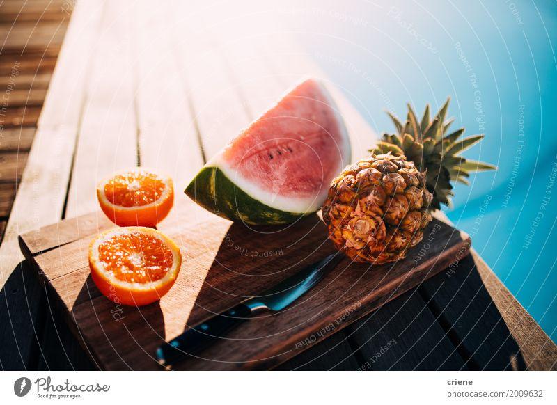 Gesunde Obstteller mit Ananas, Orangen und Wassermelone Lebensmittel Frucht Ernährung Essen Diät Messer Schwimmbad Ferien & Urlaub & Reisen Sommer Sonne schön