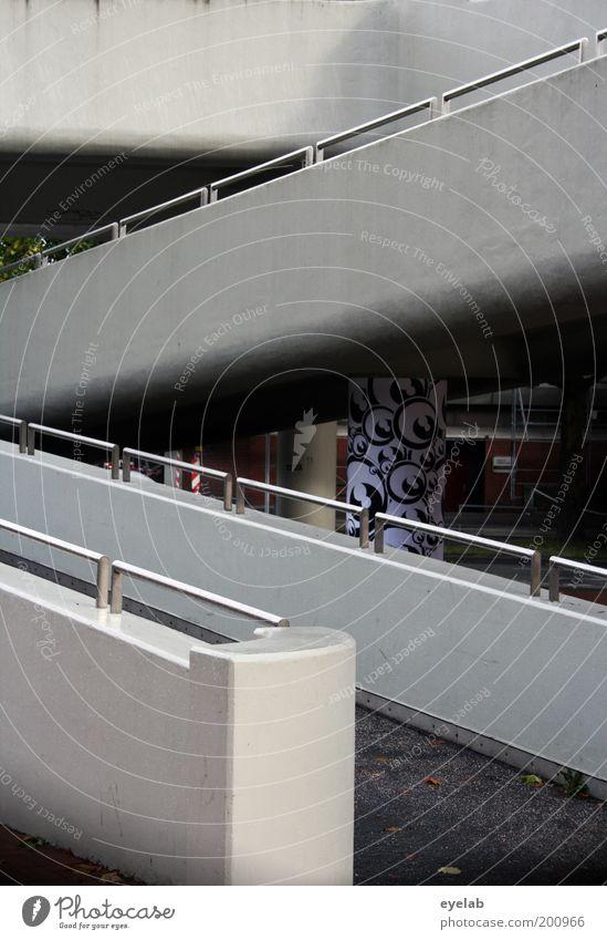 Z Stadt Brücke Parkhaus Bauwerk Gebäude Architektur Mauer Wand Treppe Verkehr Verkehrswege Personenverkehr Fußgänger Straße Wege & Pfade Beton Metall Graffiti