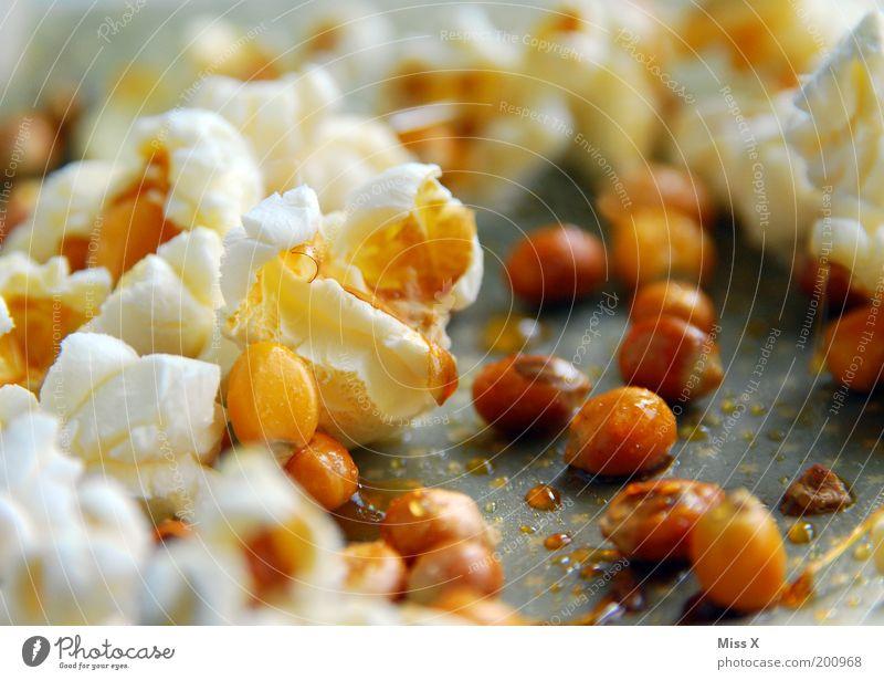 Poppen ist klasse ! Lebensmittel Ernährung süß heiß Übergewicht lecker Süßwaren Fasten Topf Zucker platzen Mais Detailaufnahme fettarm Knall Popkorn