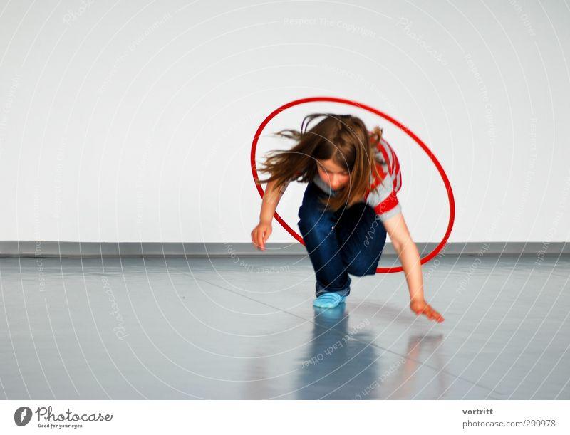 hoop hula Mensch Kind Sport feminin springen Spielen Bewegung Freizeit & Hobby Fitness Spielzeug Kindheit Sport-Training sportlich Kinderspiel Sportstätten Hula Hoop Reifen