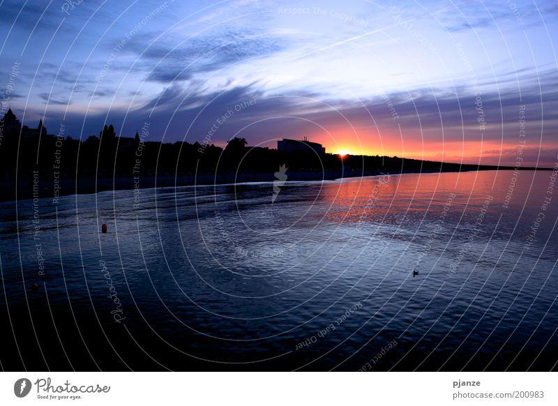 Sehnsucht Wasser Himmel Sonne Meer blau rot Sommer Strand Ferien & Urlaub & Reisen Wolken Küste rosa gold Horizont Skyline Seeufer