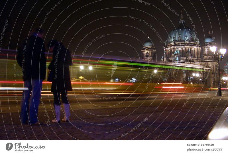 Berliner Dom Langzeitbelichtung Deutscher Dom Nacht Fußgänger Unter den Linden Nachtaufnahme Architektur Spaziergang