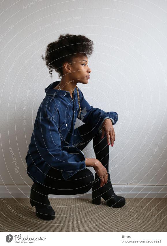 . Mensch Frau schön Erwachsene Leben feminin Haare & Frisuren Zeit Raum ästhetisch beobachten Neugier entdecken Gelassenheit Konzentration Wachsamkeit