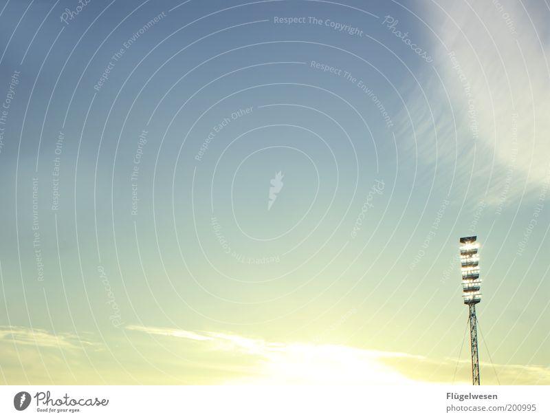 Nie mehr 2. Liga ;-( Himmel hell Sportveranstaltung Stadion Blauer Himmel Fußballplatz strahlend Weltmeisterschaft Atmosphäre Flutlicht Abendsonne Sonne Umwelt