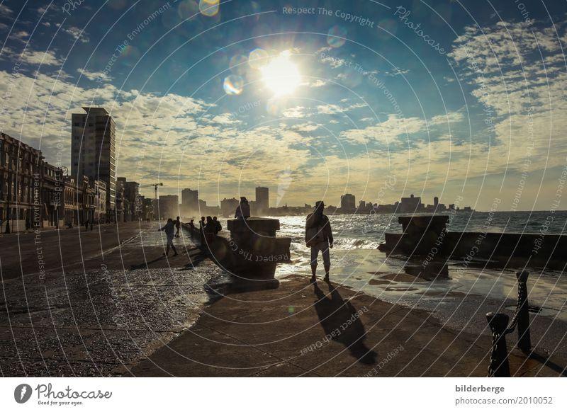 Havanna- Malecón Lifestyle Sommerurlaub Sonne Meer Insel Mensch Natur Hauptstadt Hafenstadt Stadtzentrum Skyline genießen bilderberg bilderbergs castro fiedel