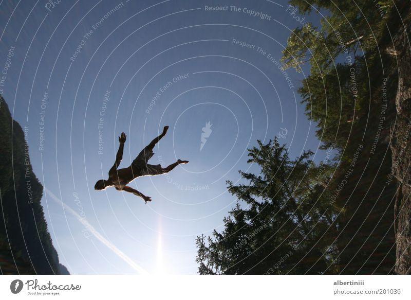 Klippensprung Natur Wasser Baum Sonne Umwelt springen Luft See fliegen Schwimmen & Baden Schönes Wetter Mut Schweben leicht Leichtigkeit Mensch