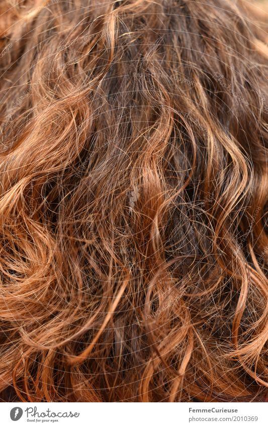 Haarstruktur (04) Haare & Frisuren brünett rothaarig schön lockig Locken Haare schneiden rausgewachsen Tönung Färbung Farbe Haarsträhne krause Haare rotbraun