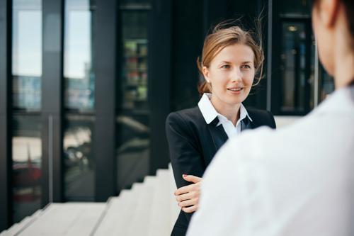 Business sprechen Freundschaft Kommunizieren Erfolg Perspektive planen Macht Pause Team Netzwerk Bildung Gelassenheit Kontakt Leidenschaft Partnerschaft