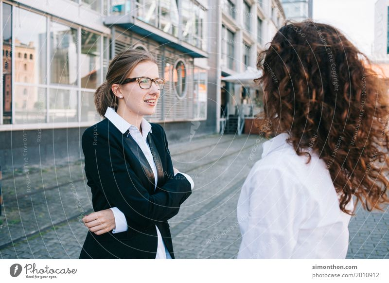 Business Mensch Leben sprechen feminin Stil Zeit Stimmung Zufriedenheit Erfolg Zukunft planen Sicherheit Ziel Team Zusammenhalt