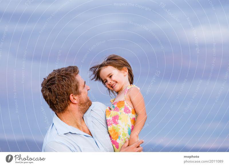 Daddy is my first love #1 Mensch Kind Himmel Natur Mann Landschaft Wolken Mädchen Erwachsene Liebe Gefühle feminin lachen Familie & Verwandtschaft Glück