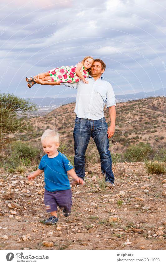 Daddy makes me fly #3 Natur Mann Freude Mädchen Erwachsene Leben Liebe Junge Familie & Verwandtschaft Glück fliegen Zusammensein Kindheit Kraft Lächeln