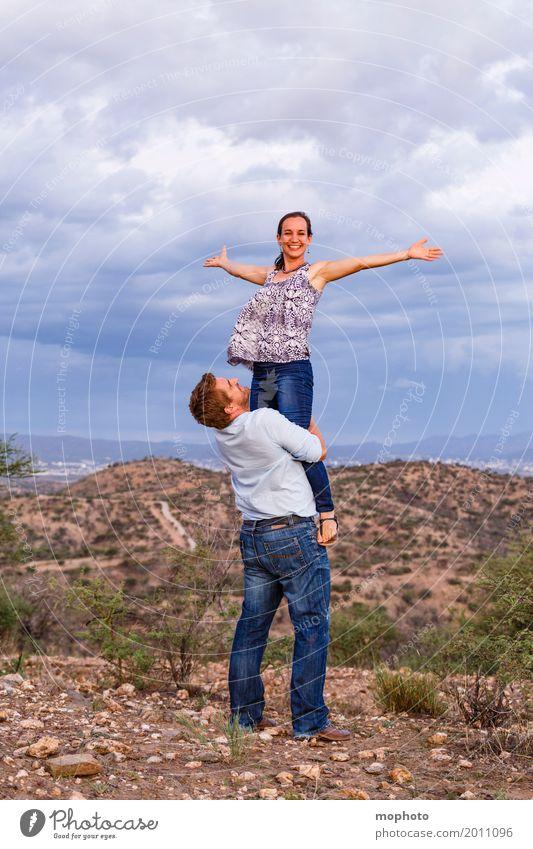 Ich heb ab... #3 Lifestyle Glück Mensch maskulin feminin Junge Frau Jugendliche Junger Mann Erwachsene Paar Partner Leben 2 30-45 Jahre Natur Landschaft