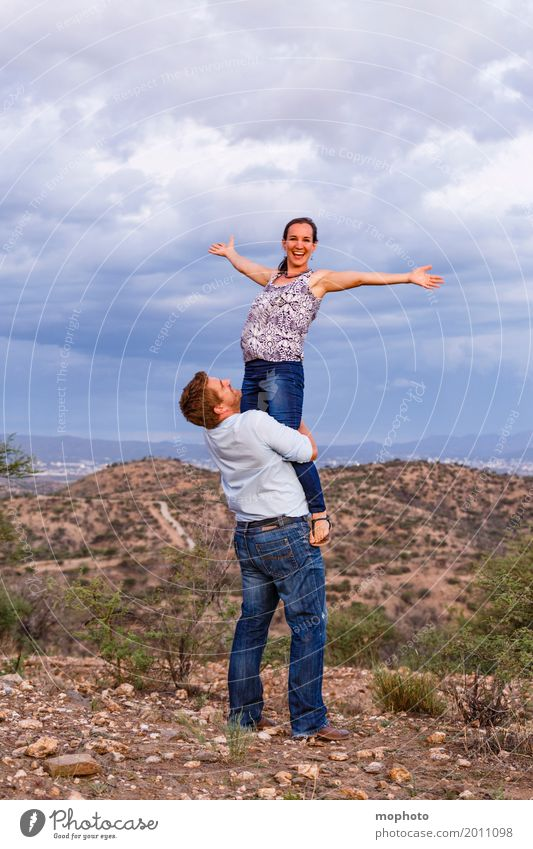 Ich heb ab... #2 Ferien & Urlaub & Reisen Tourismus Ferne Freiheit Safari Mensch maskulin feminin Junge Frau Jugendliche Junger Mann Erwachsene Paar Partner