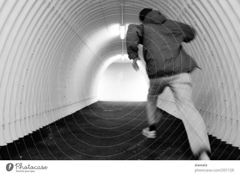 lauf frood, lauf! Mensch Mann Wege & Pfade Angst Junger Mann Geschwindigkeit Hoffnung einzeln einfach Ende rennen sportlich Todesangst Stress Tunnel Zukunftsangst