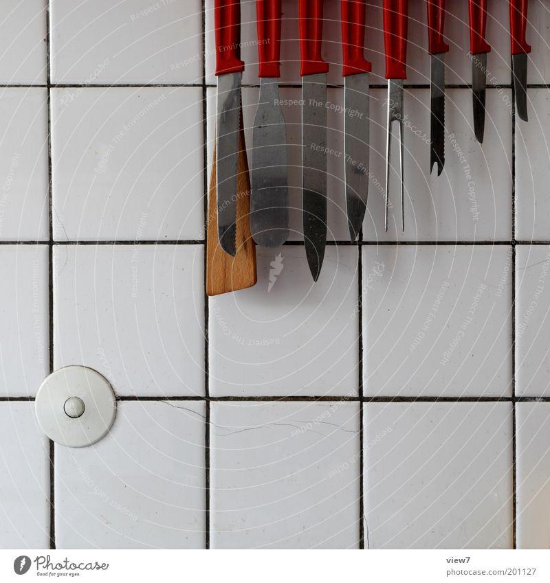 Arsenal alt rot Linie Küche bedrohlich rein Häusliches Leben einzigartig Fliesen u. Kacheln Reihe hängen Werkzeug Messer Arbeitsplatz Raum Fuge
