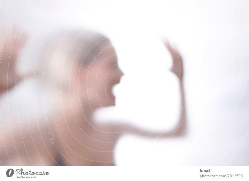 schreiende junge Frau feminin Junge Frau Jugendliche Erwachsene 1 Mensch 18-30 Jahre Traurigkeit weinen gruselig verrückt wild Wut Trauer Schmerz Angst Stress