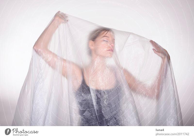 Schleier 4 Mensch Frau Jugendliche Junge Frau Erotik Einsamkeit 18-30 Jahre Erwachsene Traurigkeit träumen Angst blond verrückt genießen Schutz geheimnisvoll