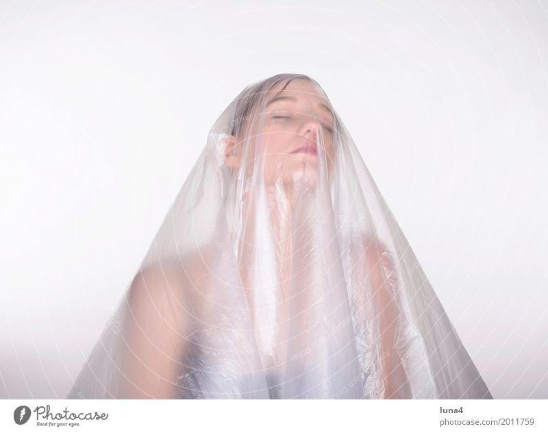 Schleier 1 feminin Junge Frau Jugendliche Erwachsene Mensch 18-30 Jahre blond träumen Traurigkeit schön verrückt Erotik Leidenschaft Schutz Sorge Trauer