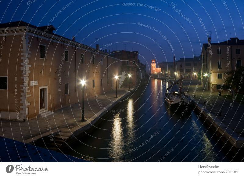 Rio dell' Arsenale Wasser blau Stadt ruhig Haus schwarz Einsamkeit grau Stein Gebäude braun Küste Architektur Italien Nachthimmel Laterne