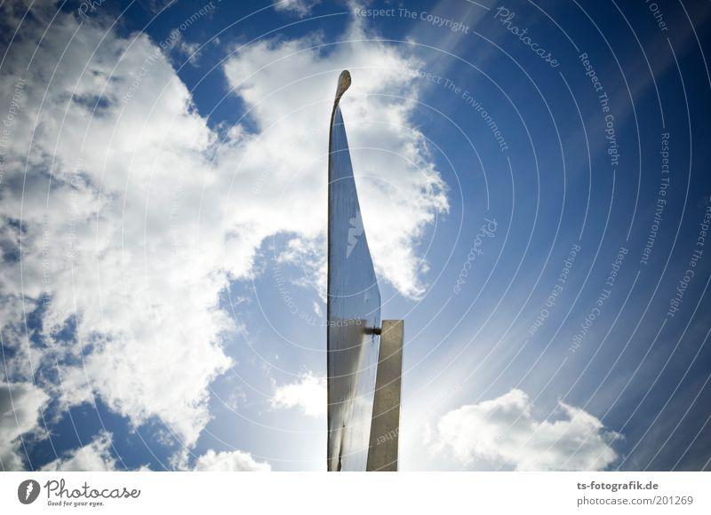 divide et impera Luft Himmel nur Himmel Wolken Schönes Wetter Schleier Beleuchtung Wege & Pfade Verkehrszeichen Verkehrsschild Vorfahrt Metall Stahl