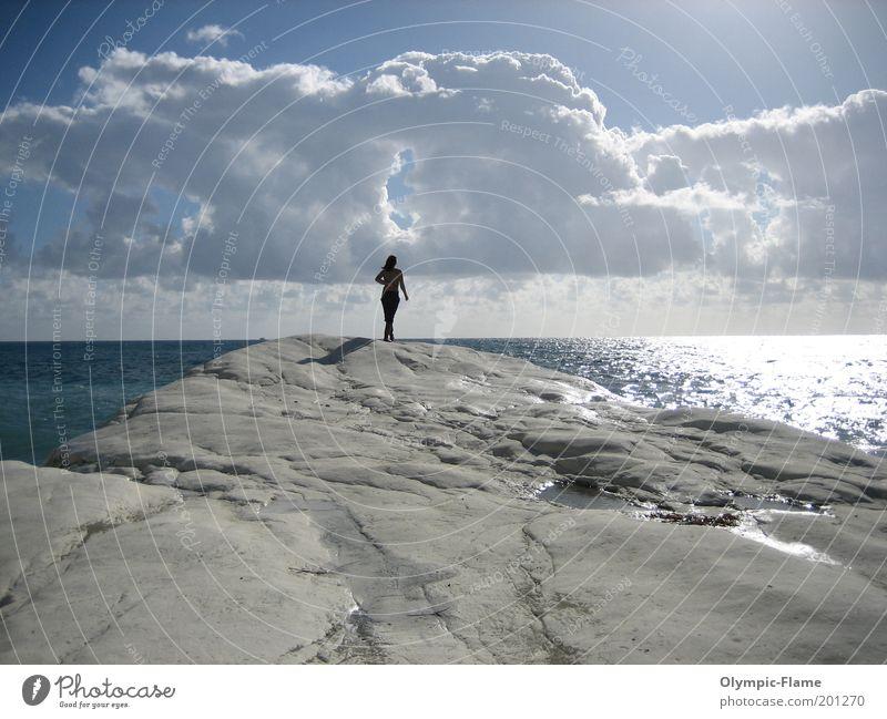 The Governor Frau Natur Wasser Himmel weiß Sonne Meer blau Strand Wolken Erholung Landschaft Küste Horizont Felsen Aussicht