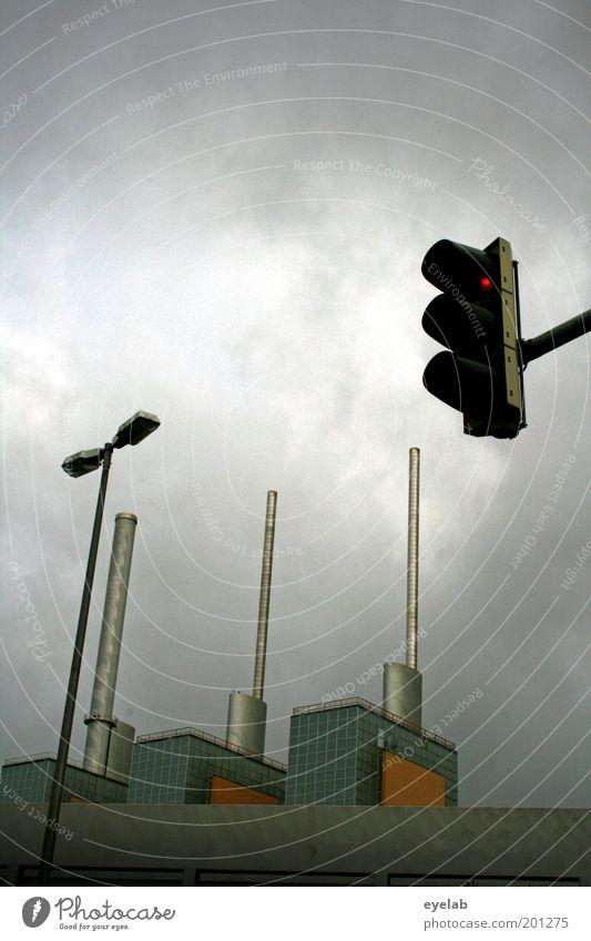 3+2 Technik & Technologie High-Tech Energiewirtschaft Energiekrise Himmel Wolken Wetter Stadtrand Industrieanlage Fabrik Bauwerk Gebäude Architektur Dach