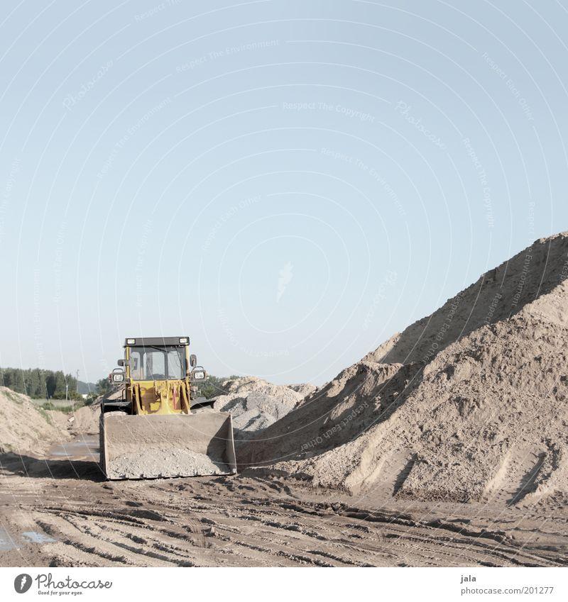 bagger Himmel Arbeit & Erwerbstätigkeit Sand trist Pause Baustelle Unternehmen Fahrzeug Arbeitsplatz Bagger Haufen Schaufel Baggerschaufel