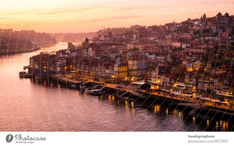 Panorama von Porto und dem Duoro bei Sonnenuntergang Ferien & Urlaub & Reisen Erholung Wolken Tourismus Ausflug Europa Lebensfreude kaufen Fluss entdecken