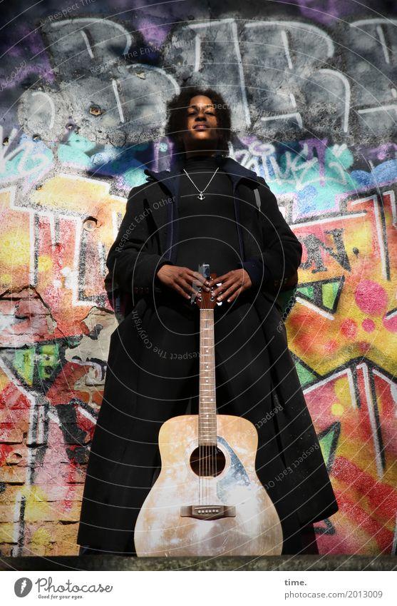 Musik | Ghetto Priestess Mensch Frau schön Erwachsene Wand Graffiti feminin Mauer Kunst außergewöhnlich Haare & Frisuren ästhetisch Kreativität stehen warten