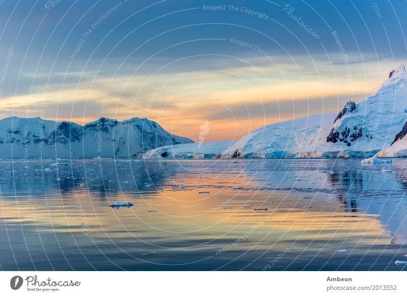 Idyllische Lagune mit Berg, Lemaire-Straße, die Antarktis Ferien & Urlaub & Reisen Sonne Meer Winter Schnee Winterurlaub Berge u. Gebirge Umwelt Natur