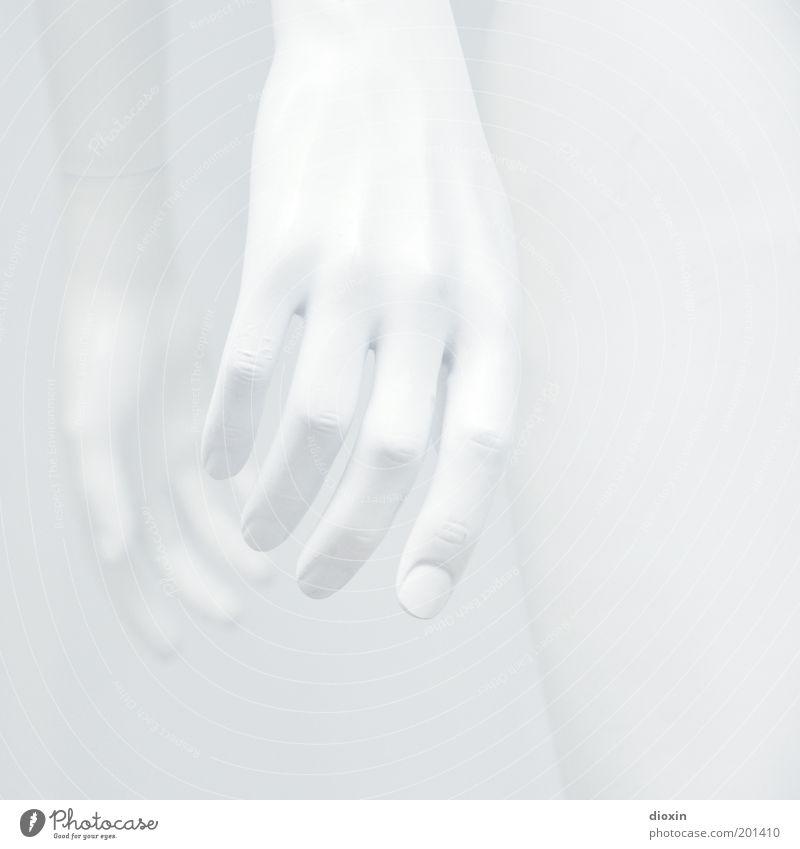 In Unschuld gewaschen Hand Finger Fingernagel Sauberkeit weiß Reinheit unschuldig steril rein klinisch Schaufensterpuppe Körperteile falsch Nachbildung Statue