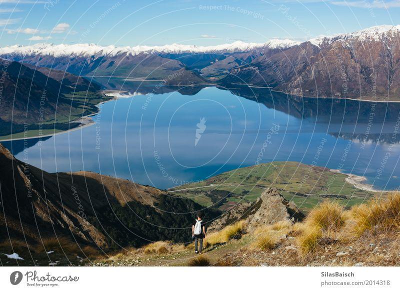 Die Welt bereisen Natur Ferien & Urlaub & Reisen Jugendliche Junger Mann Landschaft Ferne Berge u. Gebirge Leben Lifestyle Freiheit Tourismus Felsen Ausflug
