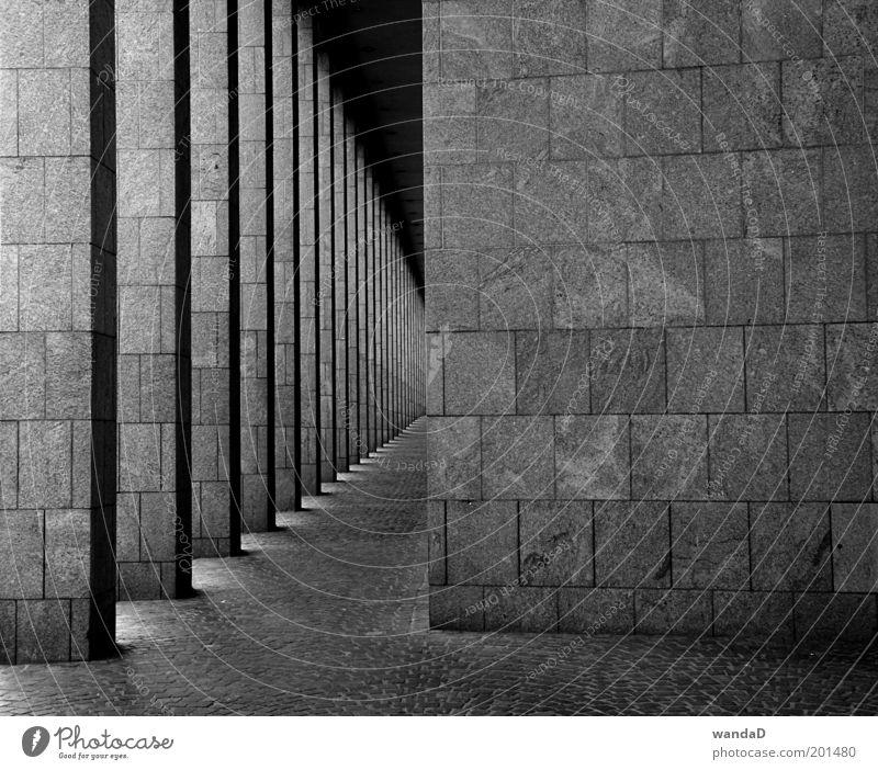 ________________ elegant Stil Design Haus Kunst Kunstwerk Skulptur Sonnenlicht Menschenleer Bankgebäude Bauwerk Architektur Mauer Wand Stein Beton ästhetisch