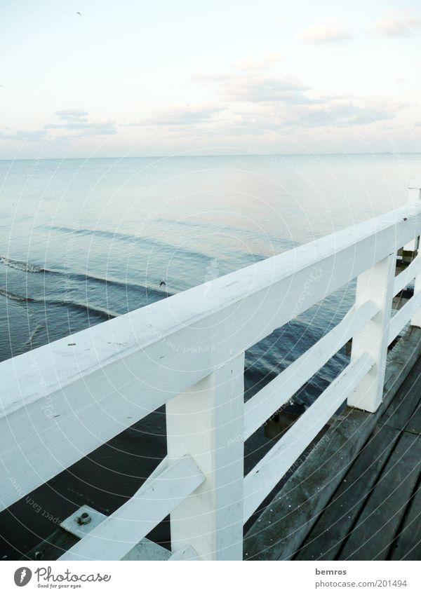 Auf dem Steg Natur Wasser Himmel Meer Strand Ferien & Urlaub & Reisen Erholung Holz Landschaft Stimmung Kraft Wellen Küste elegant nass Horizont