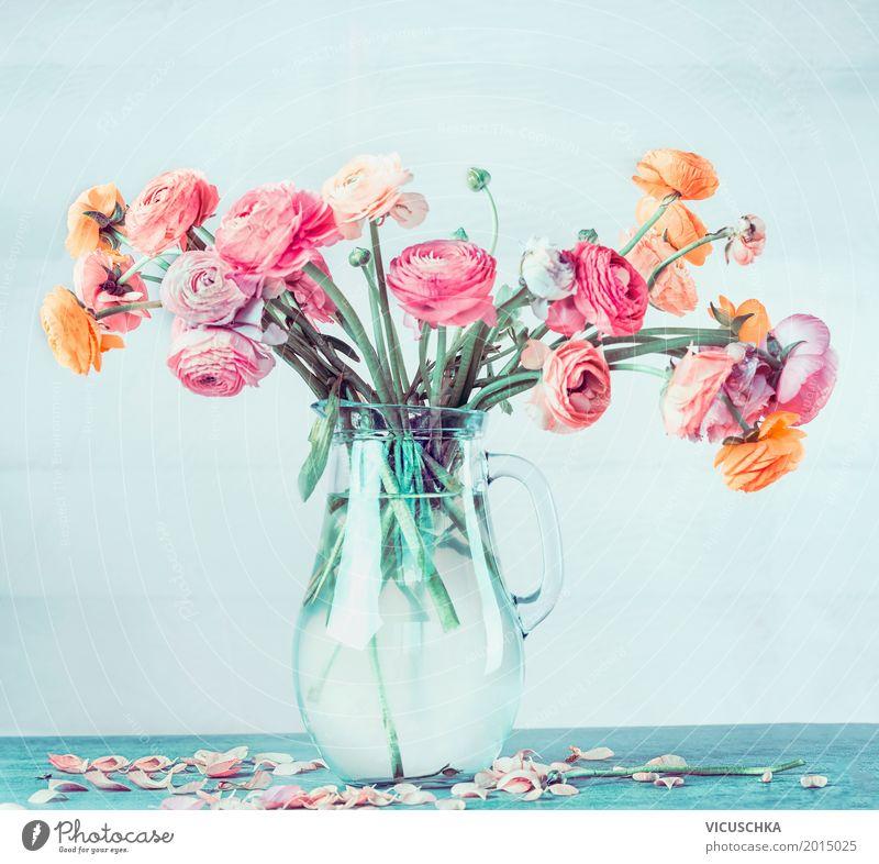 Blumenstrauß mit schönen Ranunculus in Vase Natur Sommer Blatt gelb Lifestyle Blüte Liebe Stil Feste & Feiern Design rosa Wohnung Dekoration & Verzierung